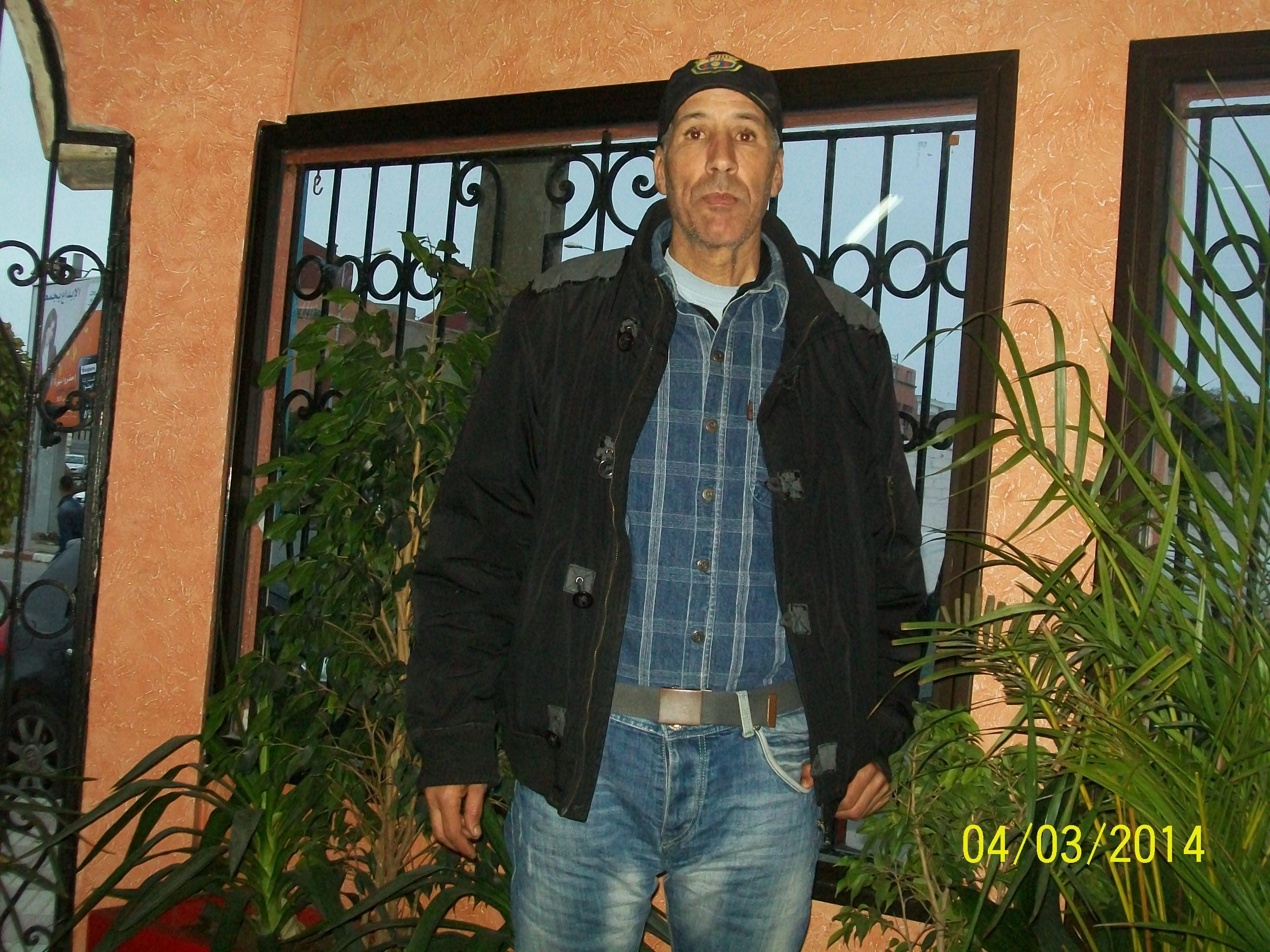 محمد برطال اللاعب السابق لفريق الدفاع الحسني الجديدي في حوار مع جريدةدكالةميديا 24.