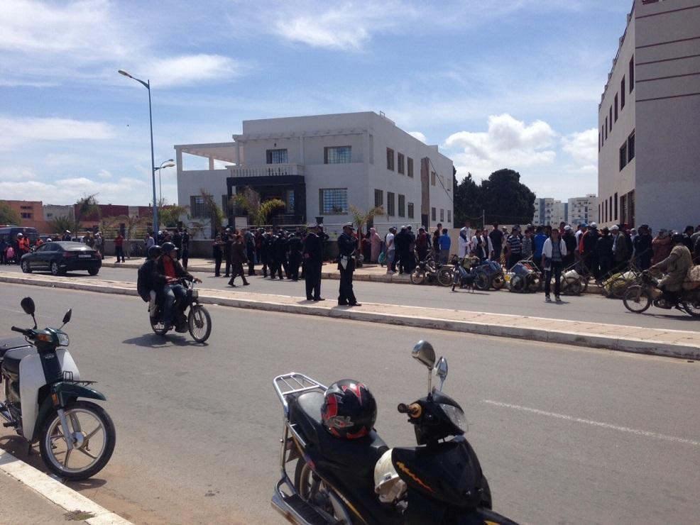 اصابات و اغماءات في مسيرة احتجاجية نحو العمالة