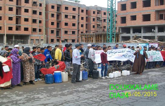 جرعة ماء أخرجت حشدا بشريا من سكان دوار الضحاك للاحتجاج