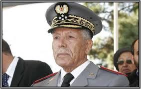 بعثرة أوراق مكتب الجنرال عروب بعد تعرض مقر سكنه للسرقة
