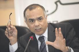 سفير المغرب بفرنسا شكيب بنموسى يتعرض رفقة زوجته لاعتداء مذبر