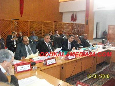 المجلس الاقليمي يناقش قضايا قطاعية في اجتماع ترأسه عامل الاقليم