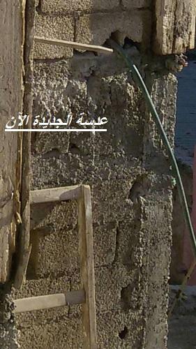من وراء اضافة طابق بحي القلعة فوق بناية متهالكة