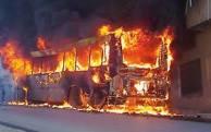 احتراق حافلة بأكملها تصيب الركاب بهلع و خوف