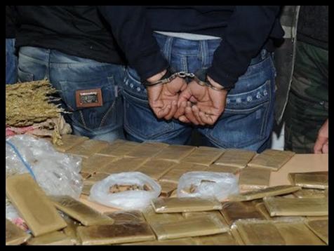 تفكيك عصابة تتاجر بالمخدرات ضمنها فتاة تستعمل السلاح الابيض