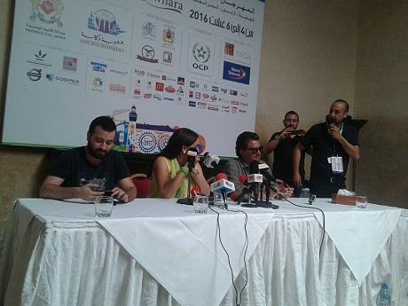 وليد توفيق و نجاة رجوي في لقاء صحفي بأحد فنادق الجديدة لاعلان برنامج المشاركة في جوهرة