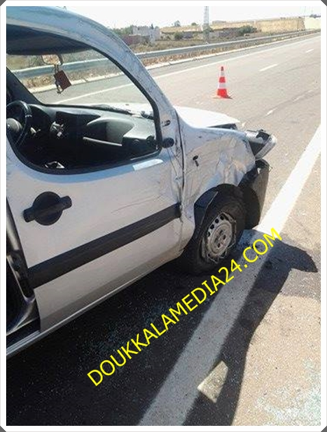 حادثة سير بالطريق السيار قرب مدرسة تكني تصيب سيدة بكسور و آخرين في وضع حرج