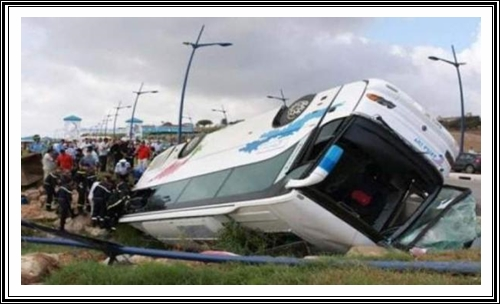 انقلاب حافلة بين البيضاء و الجديدة يخلف اصابات