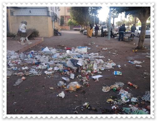 سوق عشوائي يتسبب في استياء سكان حي السلام