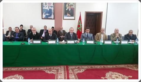 """عامل إقليم سيدي بنور يترأس لقاء تواصليا حول قضايا التعليم ويتعهد بتنظيم """"يوم تضامني"""" مع القطاع"""