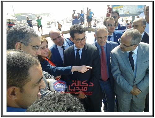 بالفيديو زيارة عزيز رباح الى شاطئ الحوزية رفقة عامل الاقليم و مصطفى الصافي رئيس الجماعة