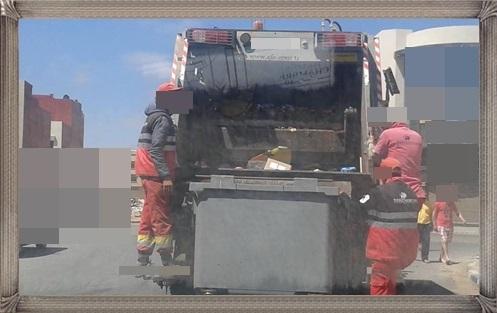 محنة عمال النظافة تزداد تفاقما عندما تتأخر الادارة عن سداد اجورهم