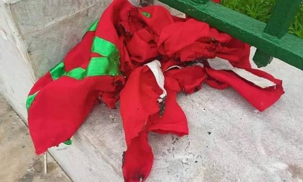 الراية المغربية:هذا ما ينتظر التلاميذ الذين أحرقوا العلم الوطني اليوم أمام البرلمان